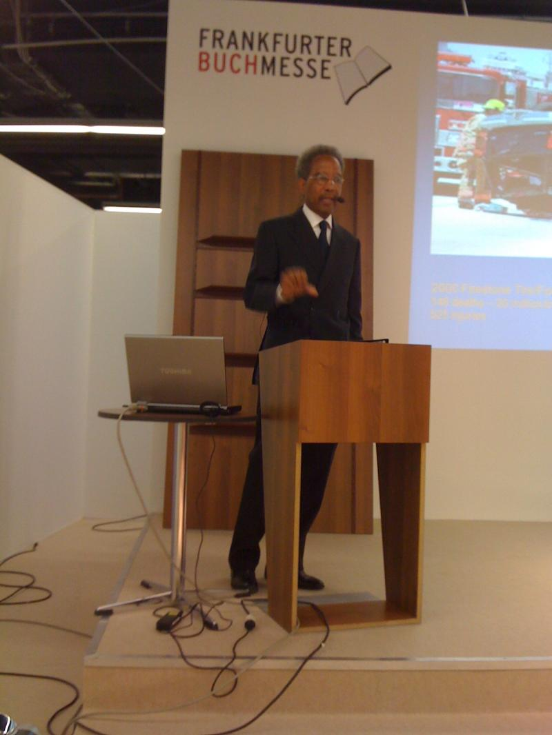 Edgar Ridley presenting at Frankfurt Book Fair